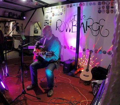 Vic's Buskers - Rowbarge, Guildford - March 2015